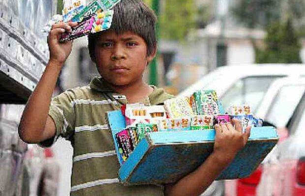 niño-vendiendo