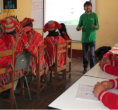 200 estudiantes de Ollantaytambo se capacitan para emprender