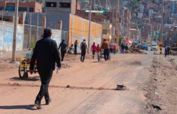 Denunciarán a supervisores de obra en la avenida Simón Bolívar que cobraban sin trabajar