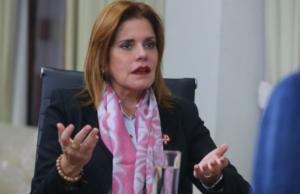 Mercedes Aráoz renunció al cargo de vicepresidenta y al cargo del Congreso