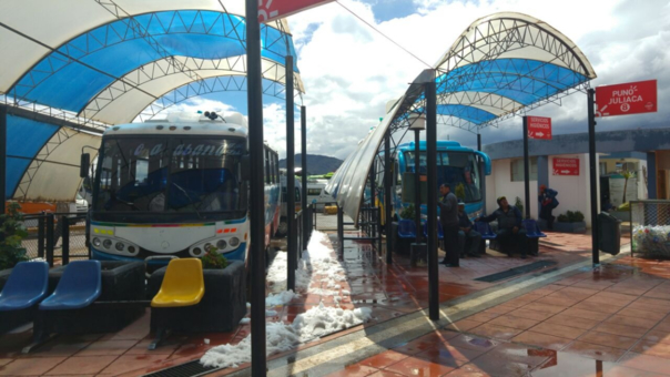 Se reanuda servicio de transporte