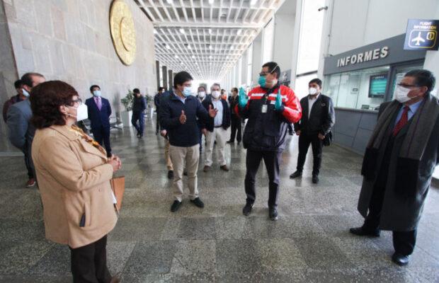 Trabajan en los protocolos sanitarios para aeropuerto
