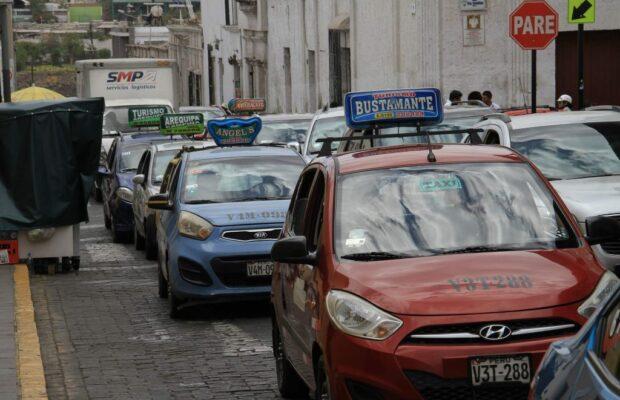 Taxistas de Arequipa en desacuerdo con Comando Covid