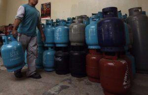 piden reubicar a comerciantes de gas