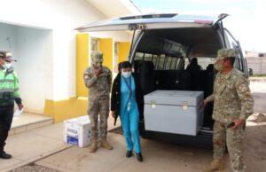 Comenzó proceso de vacunación a adultos mayores en Azángaro