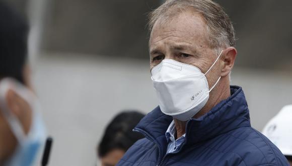 Lima: Alcalde contra carné de vacunación Covid