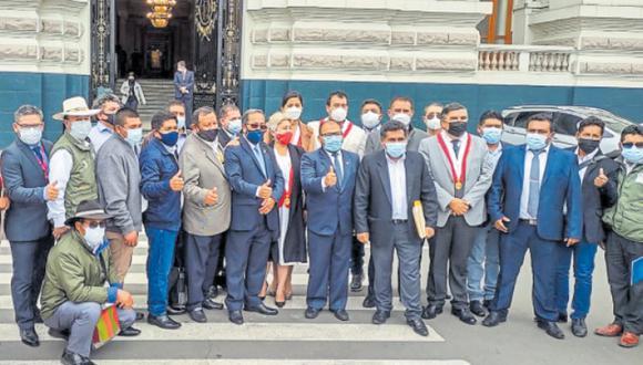 Solicitan Alcaldes de Arequipa que Gobierno rinda cuentas
